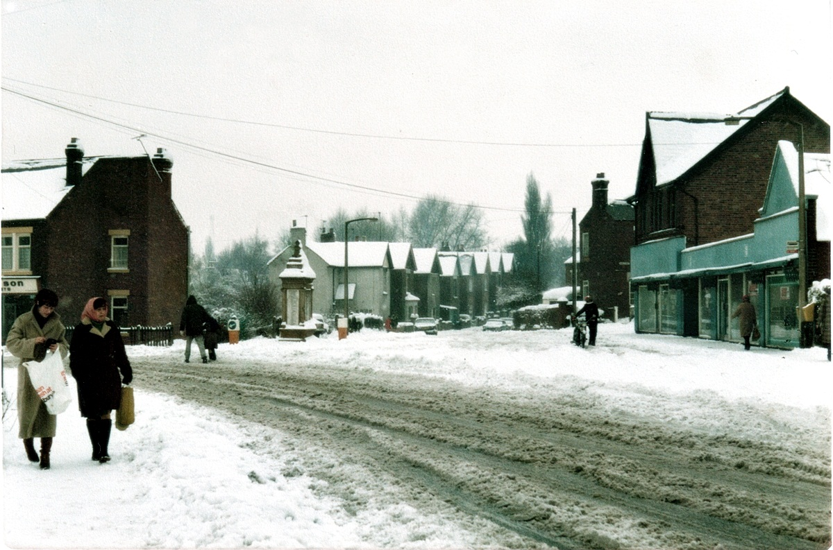 Main Road towards War Memorial, old Co-Op on right
